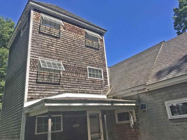 210 S Pine Banks Road, Putney, VT 05346 (MLS #4815619) :: Keller Williams Coastal Realty