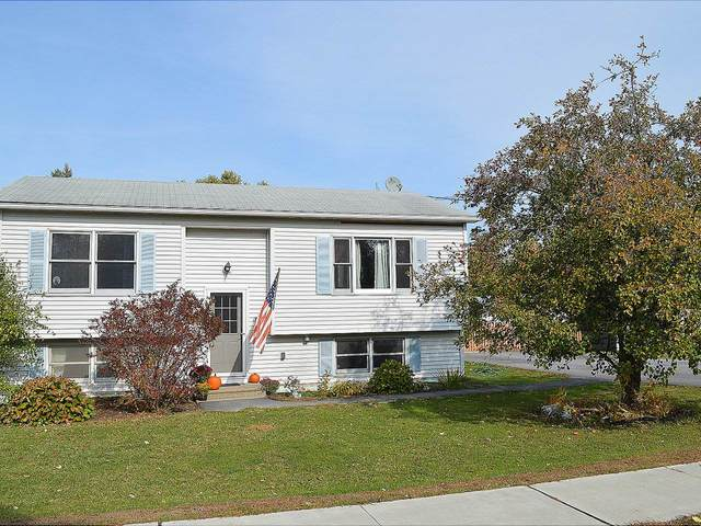 17 Guyette Circle, St. Albans City, VT 05478 (MLS #4834922) :: Hergenrother Realty Group Vermont