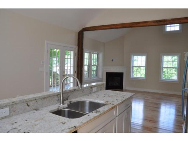 1 Pleasant Street C, Bennington, VT 05257 (MLS #4440600) :: Keller Williams Coastal Realty