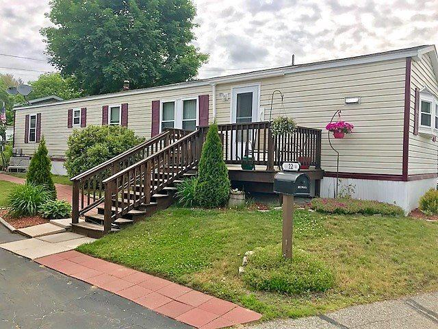 22 Horseshoe Drive, Litchfield, NH 03052 (MLS #4698913) :: Lajoie Home Team at Keller Williams Realty