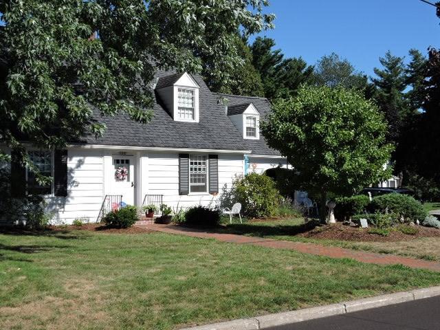 152 Crescent Road, Burlington, VT 05401 (MLS #4712572) :: The Gardner Group