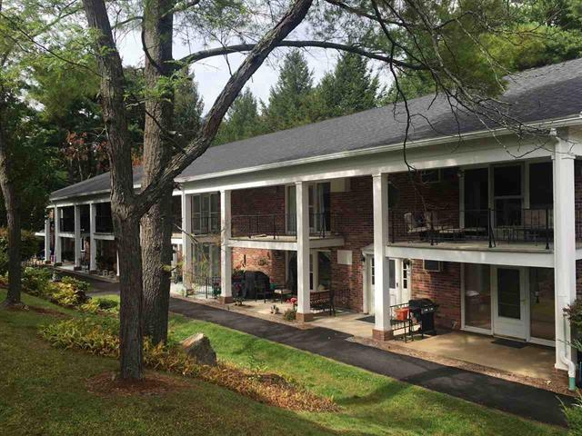 100 Kennedy Drive #56, South Burlington, VT 05403 (MLS #4733531) :: Hergenrother Realty Group Vermont