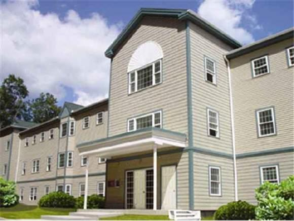 3 Country Club Drive #105, Manchester, NH 03102 (MLS #4736717) :: Hergenrother Realty Group Vermont