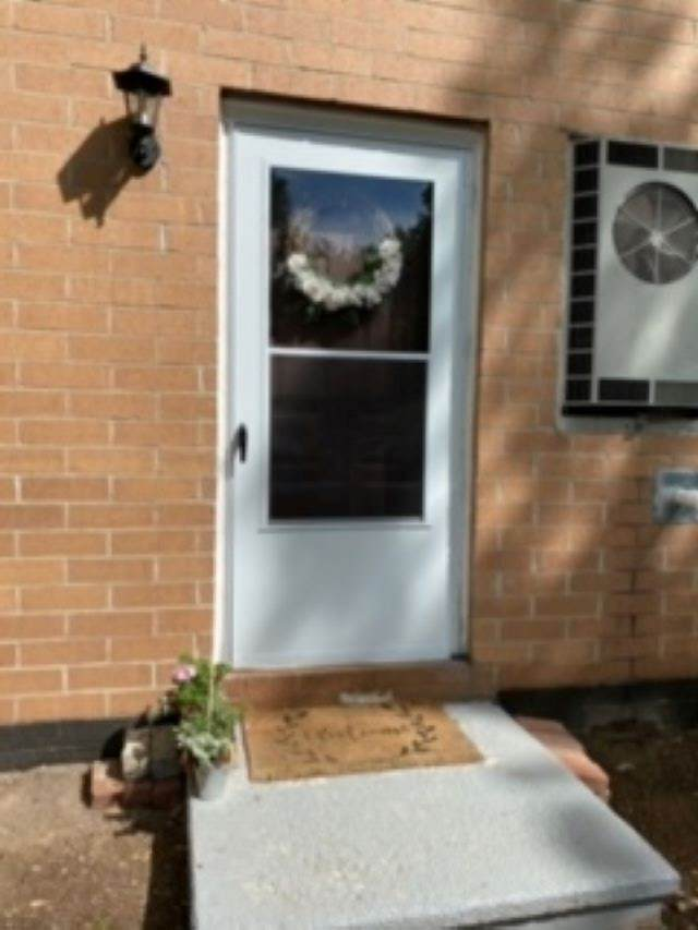 811 Elmwood Drive, Hudson, NH 03051 (MLS #4808117) :: Lajoie Home Team at Keller Williams Gateway Realty