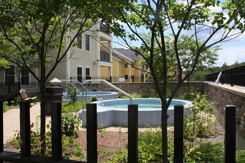 621/623 Qtr. I I, Adams House - Photo 1