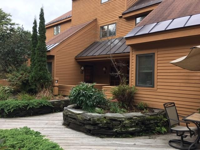 13 Courtyard #13, Hanover, NH 03755 (MLS #4721803) :: Lajoie Home Team at Keller Williams Realty