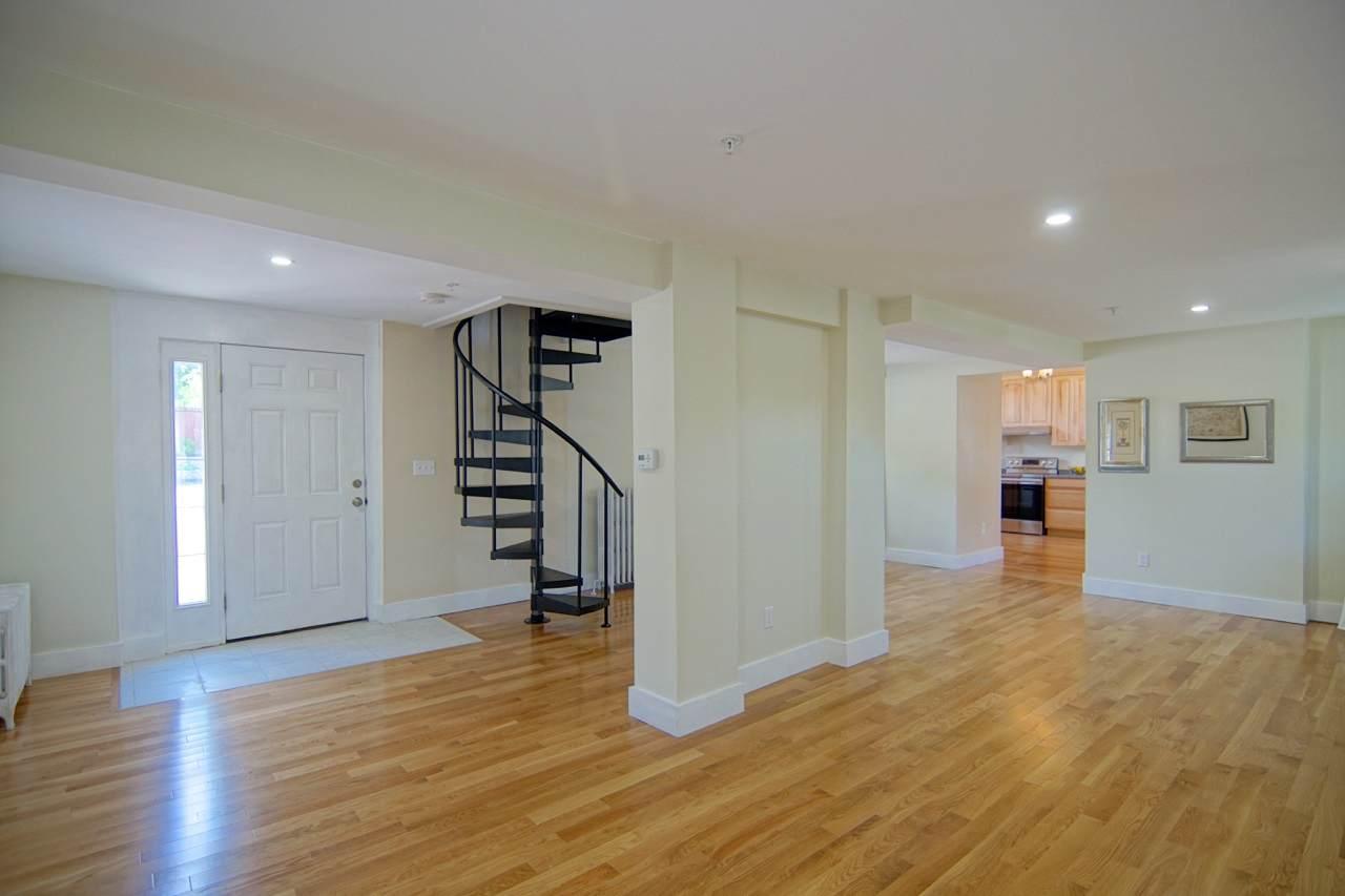 525 Maplewood Avenue - Photo 1