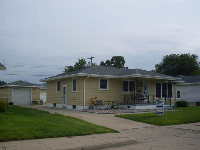 2211 25th Street, Columbus, NE 68601 (MLS #190451) :: Berkshire Hathaway HomeServices Premier Real Estate