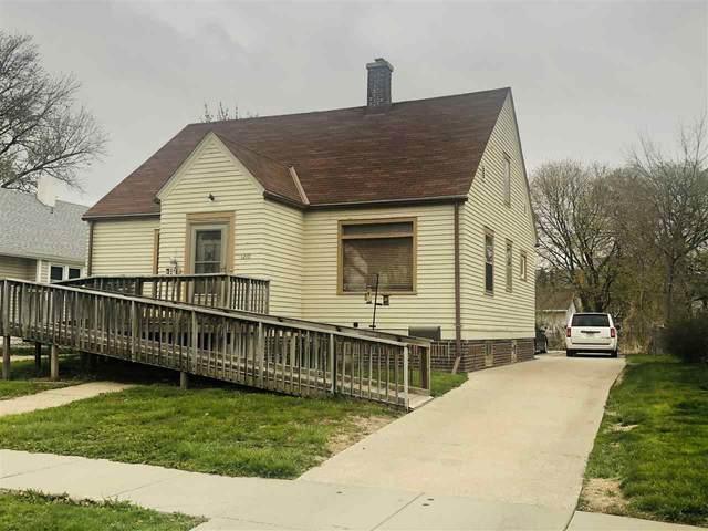 1210 W Phillip Ave, Norfolk, NE 68701 (MLS #210320) :: kwELITE