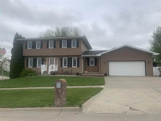 1623 Mulberry Dr, Norfolk, NE 68701 (MLS #210379) :: kwELITE
