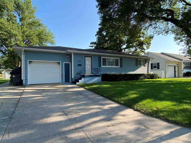 209 E Maple, Norfolk, NE 68701 (MLS #210711) :: kwELITE