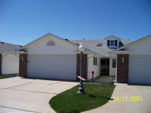 221 N 34th St  #11, Norfolk, NE 68701 (MLS #210226) :: kwELITE