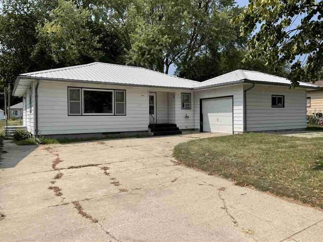 208 N Pine St, Plainview, NE 68769 (MLS #210399) :: kwELITE