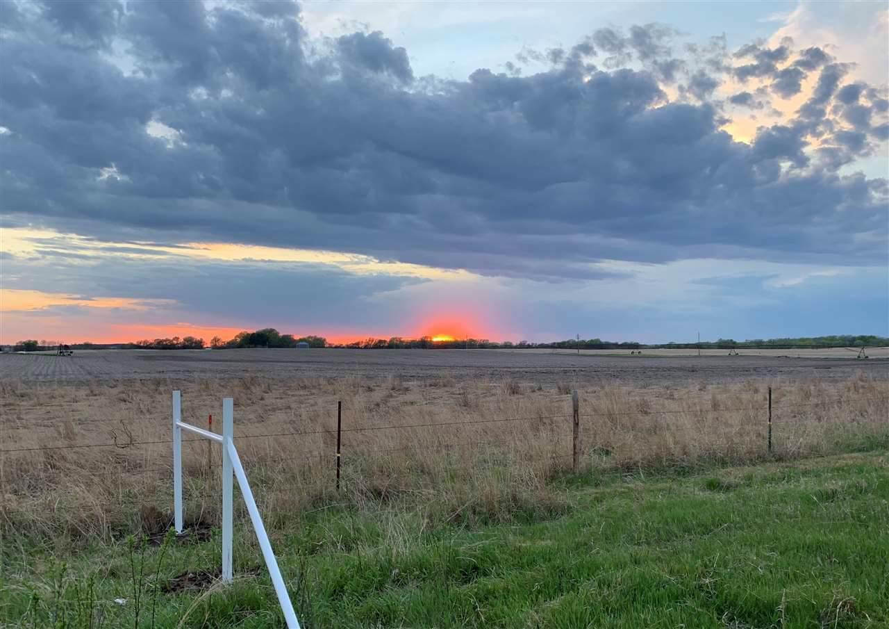 4 Prairie Lane - Photo 1