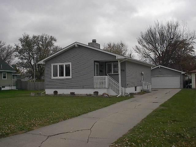 918 Pierce, Norfolk, NE 68701 (MLS #190664) :: Berkshire Hathaway HomeServices Premier Real Estate