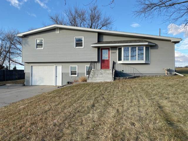 1107 E Benjamin Ave, Norfolk, NE 68701 (MLS #190676) :: Berkshire Hathaway HomeServices Premier Real Estate