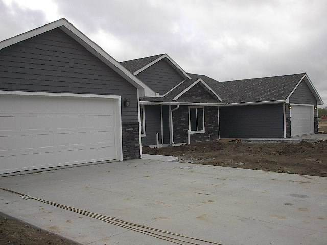 900 S Chestnut St, Norfolk, NE 68701 (MLS #200311) :: kwELITE