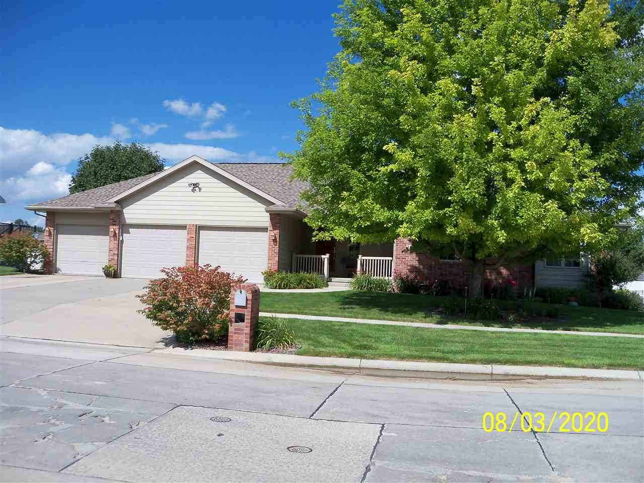 3014 Golf View Dr - Photo 1