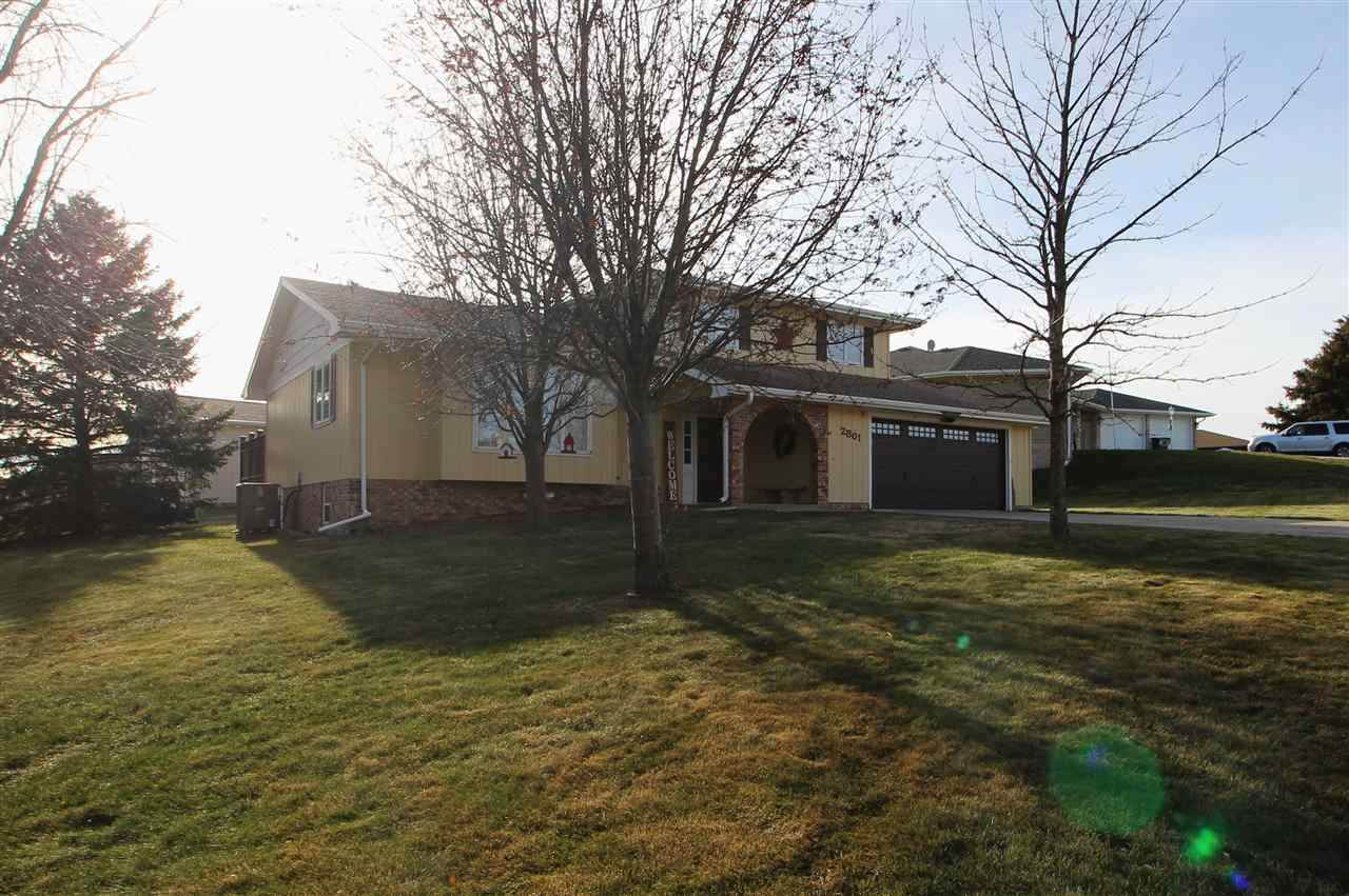 2801 Rolling Hills Dr - Photo 1