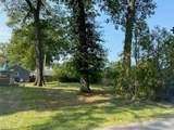206 Oakwood Drive - Photo 1