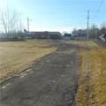 4810 Mahoning Avenue - Photo 2