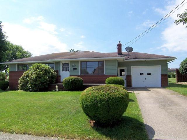 620 Elm St, Struthers, OH 44471 (MLS #3916708) :: RE/MAX Valley Real Estate