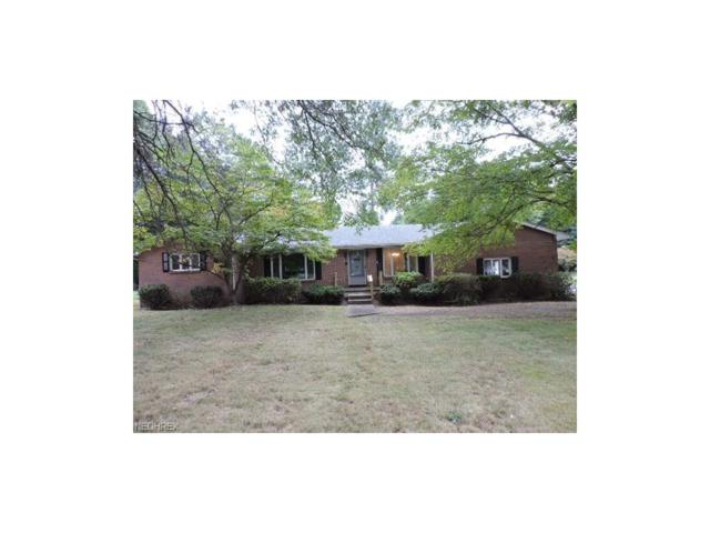 2020 Crestwood Blvd, Youngstown, OH 44505 (MLS #3932992) :: RE/MAX Valley Real Estate