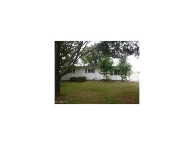 15663 Oakdale St, Middlefield, OH 44062 (MLS #3942134) :: The Crockett Team, Howard Hanna