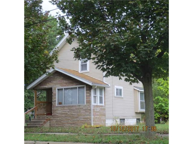 1233 California Ave, Akron, OH 44314 (MLS #3947090) :: Keller Williams Chervenic Realty