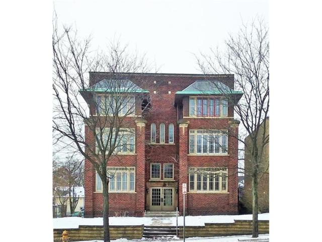 630 W Market St, Akron, OH 44303 (MLS #3965311) :: Keller Williams Chervenic Realty