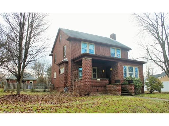 327 W Park Ave, Columbiana, OH 44408 (MLS #3969695) :: RE/MAX Valley Real Estate