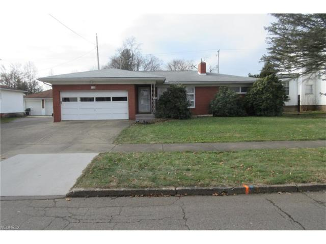 930 Parrish St, Uhrichsville, OH 44683 (MLS #3969928) :: Tammy Grogan and Associates at Cutler Real Estate