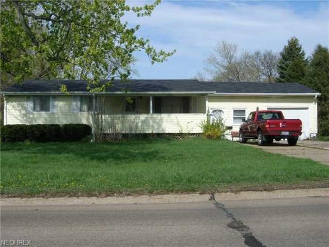 909 Elyria Ave, Amherst, OH 44001 (MLS #3975741) :: The Crockett Team, Howard Hanna