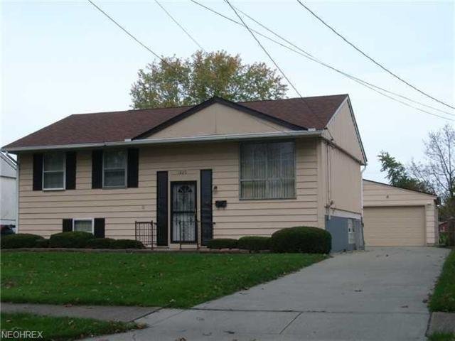 1820 W 22nd St, Lorain, OH 44052 (MLS #3978194) :: The Crockett Team, Howard Hanna
