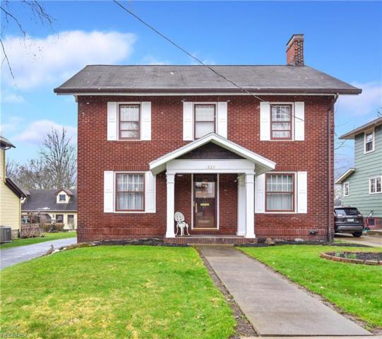 1529 E 3rd St, Salem, OH 44460 (MLS #3989272) :: Keller Williams Chervenic Realty