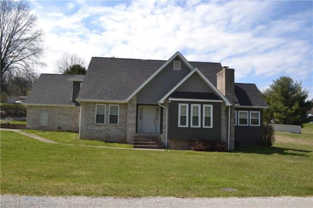 18 Rust Circle Dr, Sissonville, WV 25320 (MLS #3991802) :: The Crockett Team, Howard Hanna
