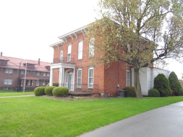 555 Chestnut St, Coshocton, OH 43812 (MLS #3997220) :: The Crockett Team, Howard Hanna