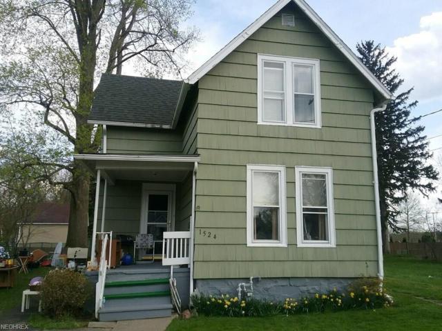 1524 W 8th St, Ashtabula, OH 44004 (MLS #3997403) :: PERNUS & DRENIK Team