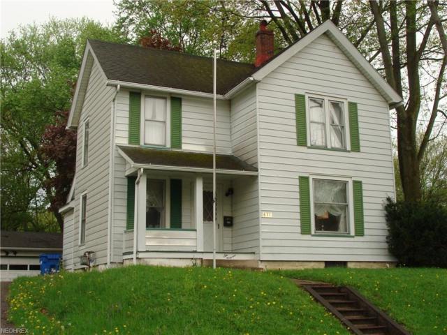 611 W Wilson St, Salem, OH 44460 (MLS #3999453) :: The Crockett Team, Howard Hanna
