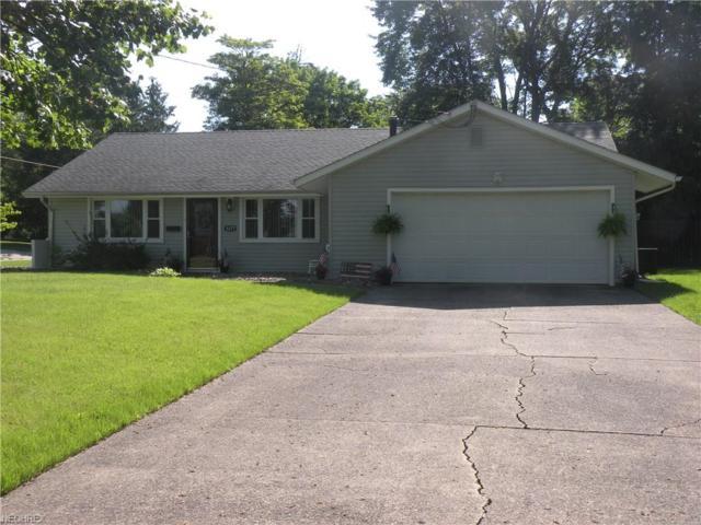 3377 Sandalwood Ct, Youngstown, OH 44511 (MLS #4008129) :: The Crockett Team, Howard Hanna