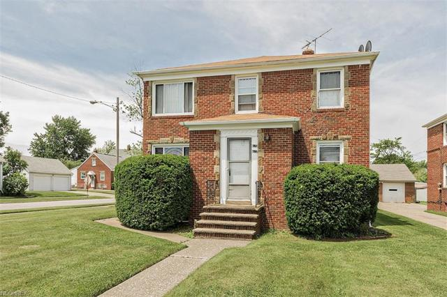 670 E 222nd St, Euclid, OH 44123 (MLS #4010497) :: RE/MAX Trends Realty