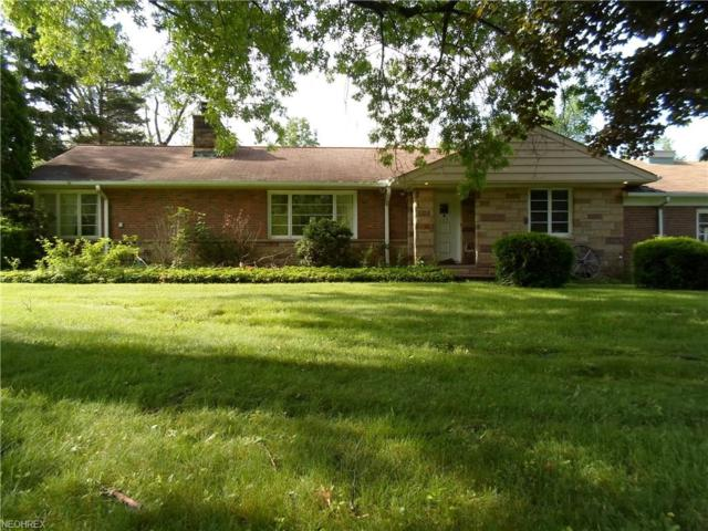 115 N Strawberry Ln, Moreland Hills, OH 44022 (MLS #4013892) :: The Crockett Team, Howard Hanna