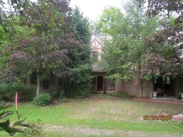 13200 County Line Rd, Hunting Valley, OH 44022 (MLS #4025306) :: The Crockett Team, Howard Hanna