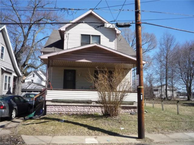 208 Lawn Ave NW, Canton, OH 44708 (MLS #4029030) :: The Kaszyca Team