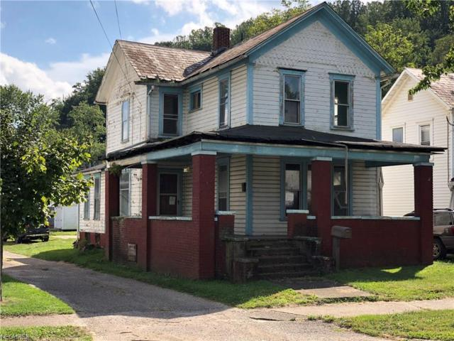 1016 Trenton Ave, Uhrichsville, OH 44683 (MLS #4034052) :: The Crockett Team, Howard Hanna