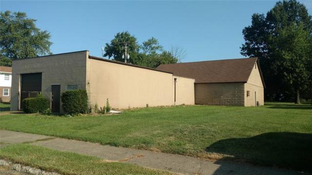 914 Sylvan Ct NE, Canton, OH 44705 (MLS #4034999) :: The Crockett Team, Howard Hanna