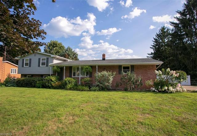 2748 Englewood Dr NE, Canton, OH 44721 (MLS #4037540) :: Tammy Grogan and Associates at Cutler Real Estate