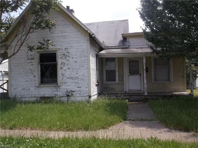 636 John St, Coshocton, OH 43812 (MLS #4038446) :: Keller Williams Chervenic Realty