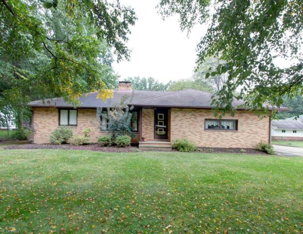 2968 Bishop Rd, Willoughby Hills, OH 44092 (MLS #4042945) :: The Crockett Team, Howard Hanna