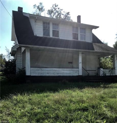 405 E Dewey Ave, Youngstown, OH 44507 (MLS #4043436) :: PERNUS & DRENIK Team